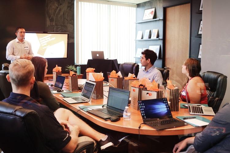 I 5 comportamenti manageriali per favorire il ritorno in ufficio